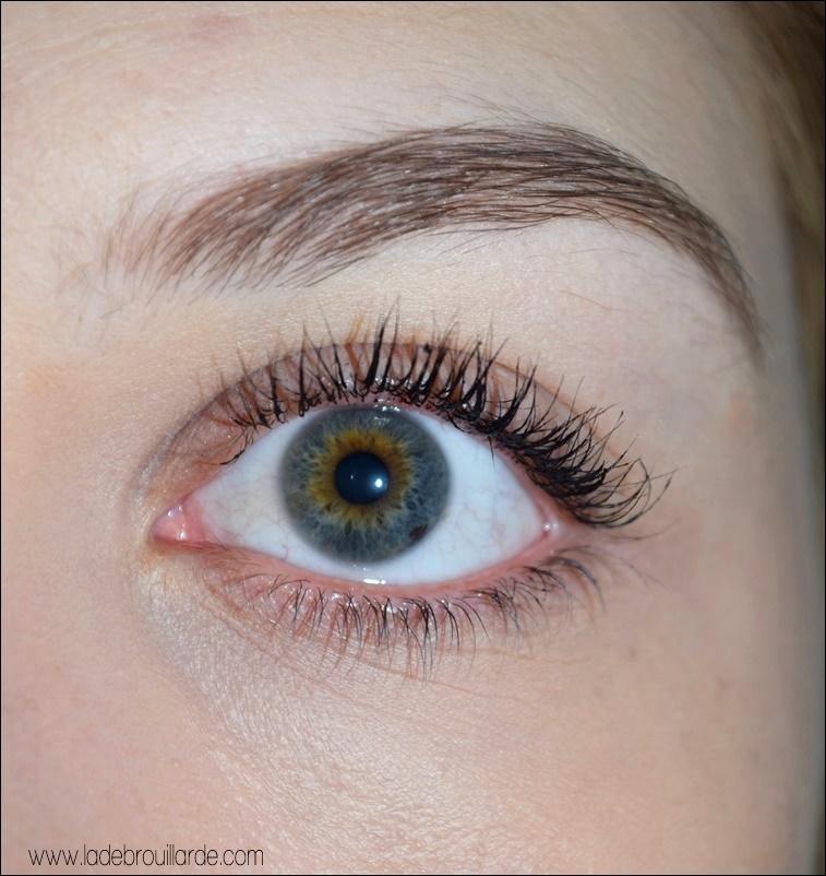 Swatch Roller Lash Benefit Mascara